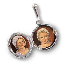 AG Felicity Locket Charm