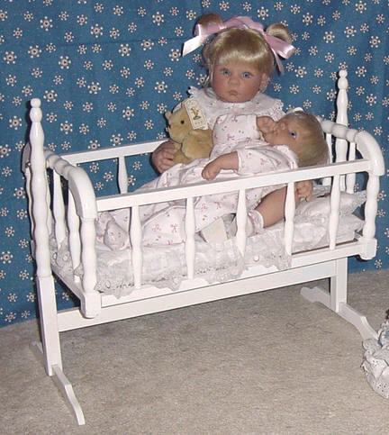 Lee Middleton doll cradle